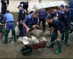 stiri-2010-07-06-interventie-in-sprijinul-persoanelor-afectate-de-inundatii-1