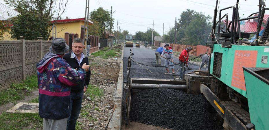 Lehliu Gară: primarul PSD Iulian Iacomi nu se lasă. În acest an se va termina canalizarea și asfaltarea orașului. Și la sate se va interveni. Iată faptele…