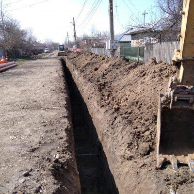 Com. Mânăstirea. Primarul Iancu Mugurel continuă lucrările de canalizare. Ce spun oamenii…VIDEO